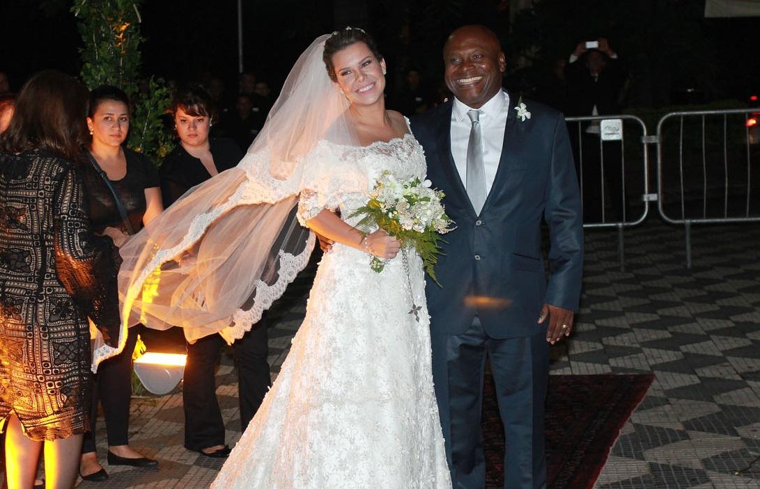 decoracao casamento fernanda souza e thiaguinho:Pin Casamento De Thiaguinho E Fernanda Souza Terá Orquestra E Bateria
